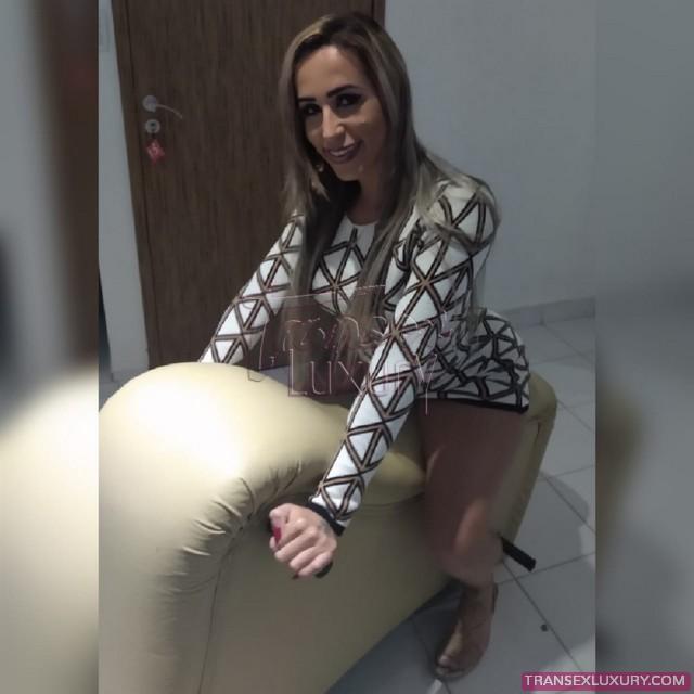 Nicole-Gomes