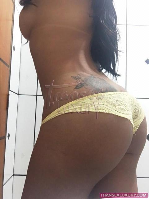 rafaela-back