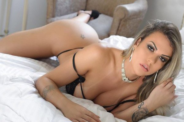 Paula Prado Operada